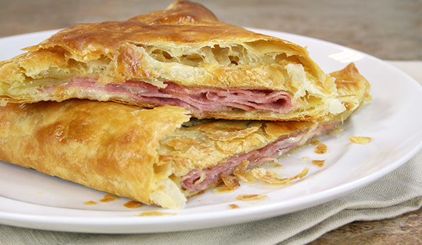 Baked Ham in Puff Pastry